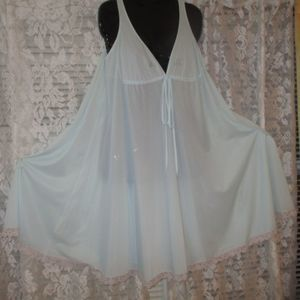 """Vintage Lucie Ann Bombshell nightgown 120"""" sweep"""